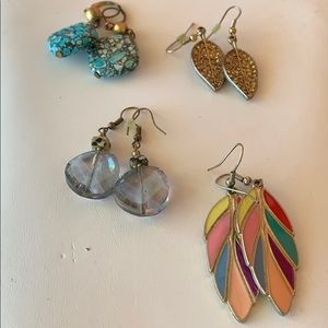 Jewelry - ***3 for $20*** Set of 4 Fashion Earrings